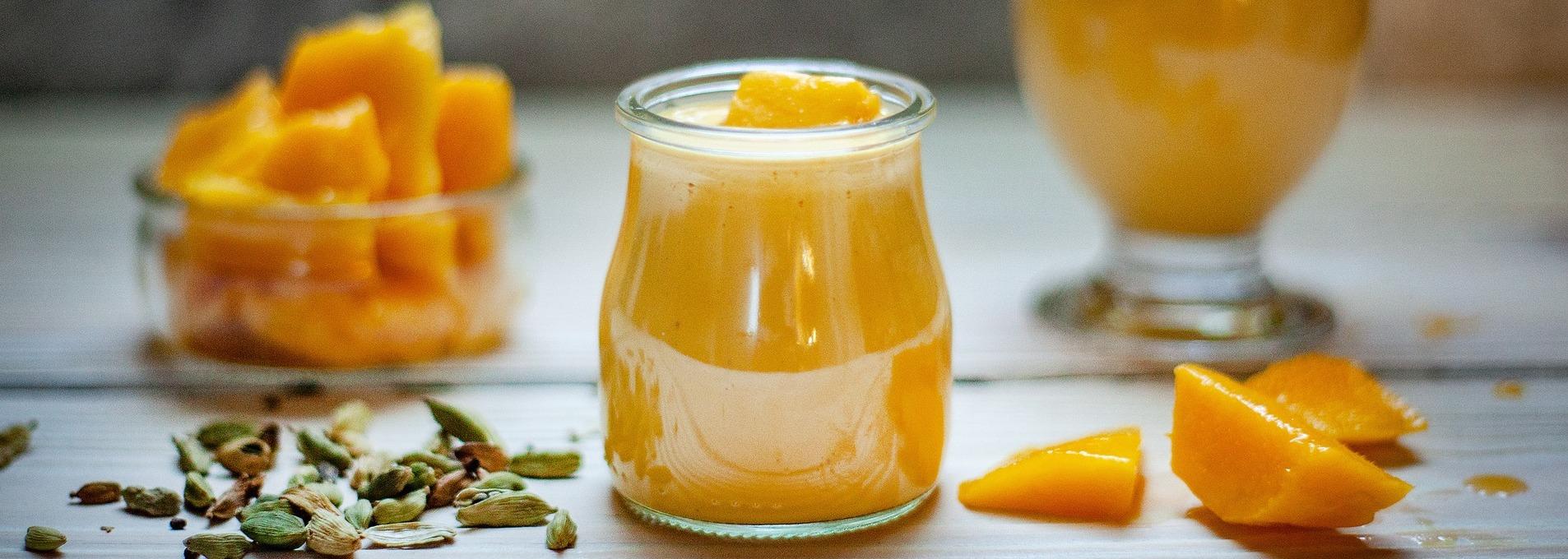 Le nectar de mangues et le jus de pommes-groseilles