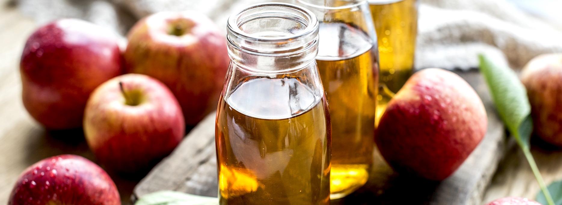 Le jus de pommes bio en bib